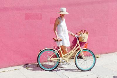 женский и мужской велосипед